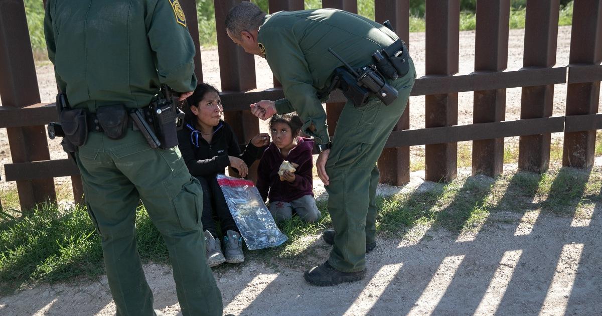 Hakim blok perpanjangan jalur cepat deportasi nasional