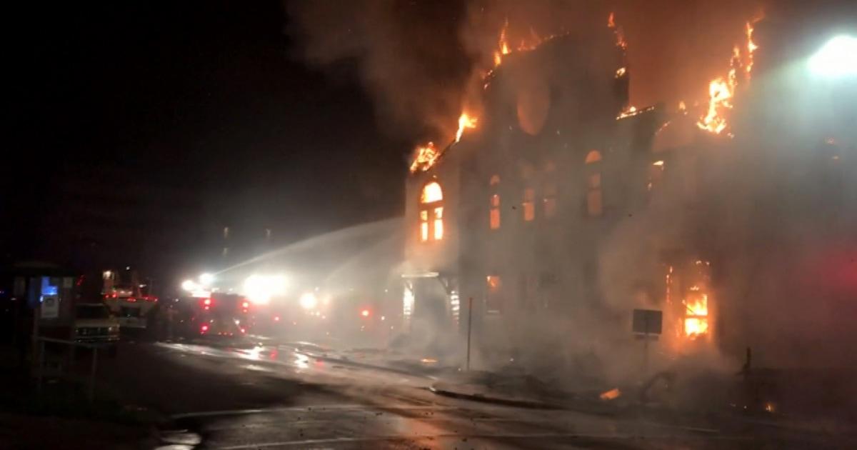 Ο άνθρωπος που πραγματοποιήθηκε σε σχέση με την πυρκαγιά που κατέστρεψε 119-year-old Μινεσότα συναγωγή