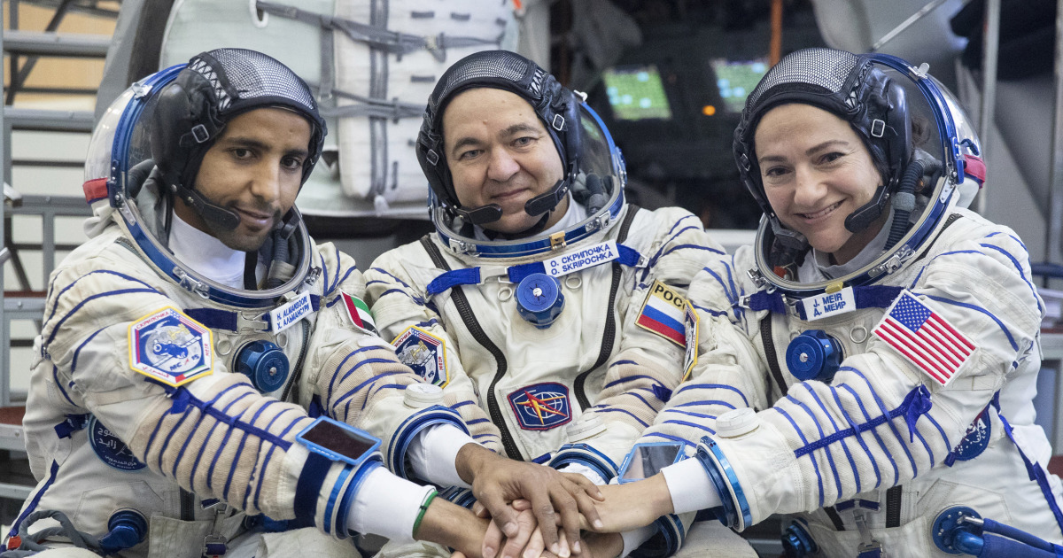 astronauts in the international space station - photo #3