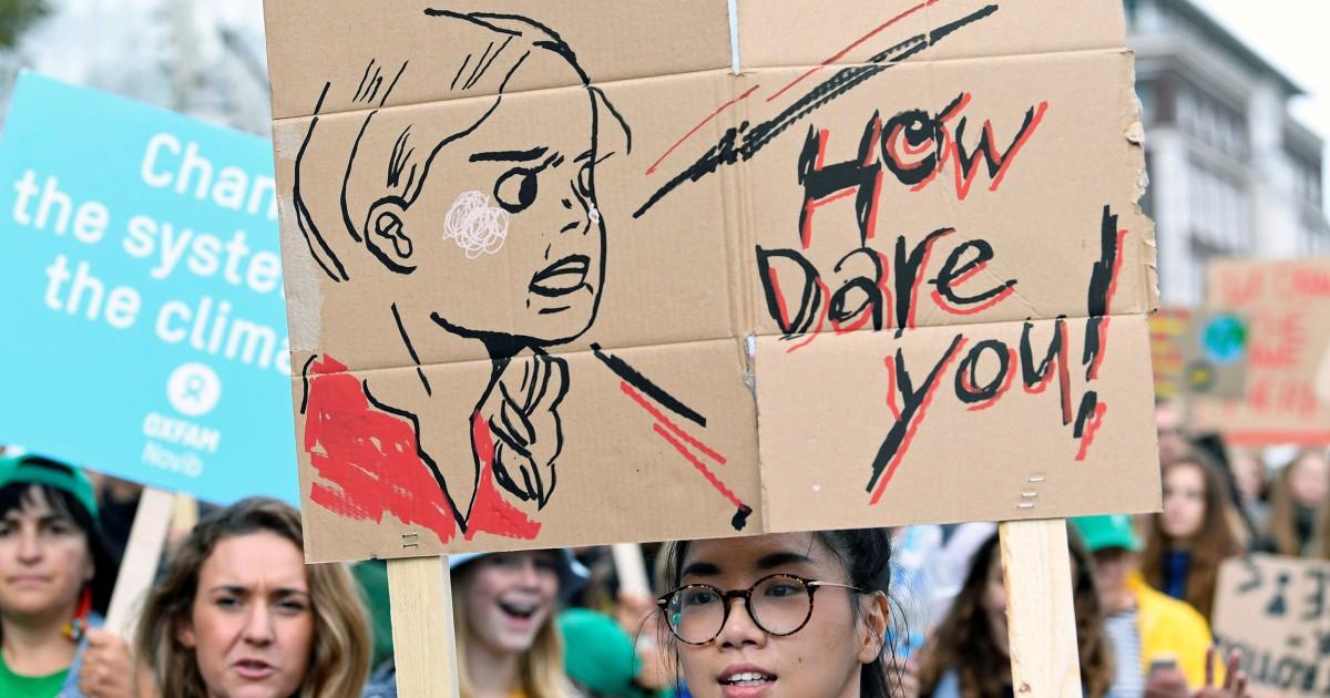 Junge ärztinnen und Klima-Aktivisten Gesicht hasserfüllt Missbrauch online