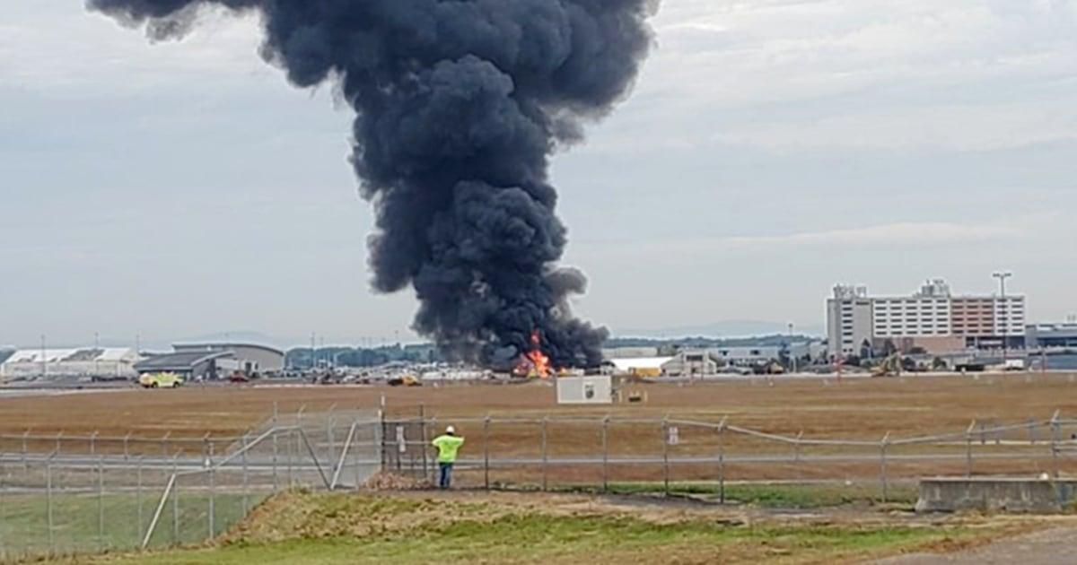 Seven dead after WWII B-17 plane crashes, erupts into flames at Bradley Airport