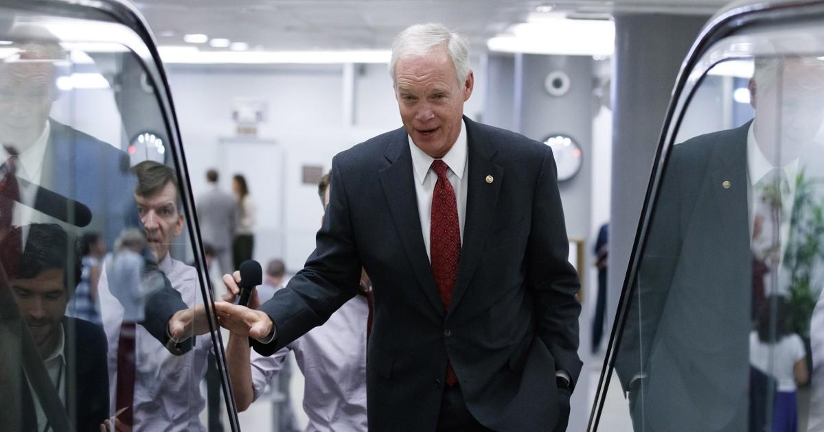 GOP senator mengatakan diplomat mengatakan kepadanya Trump adalah pemotongan bantuan untuk memastikan penyelidikan