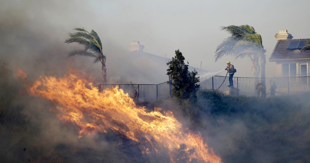 Three dead following Southern California wildfires thumbnail