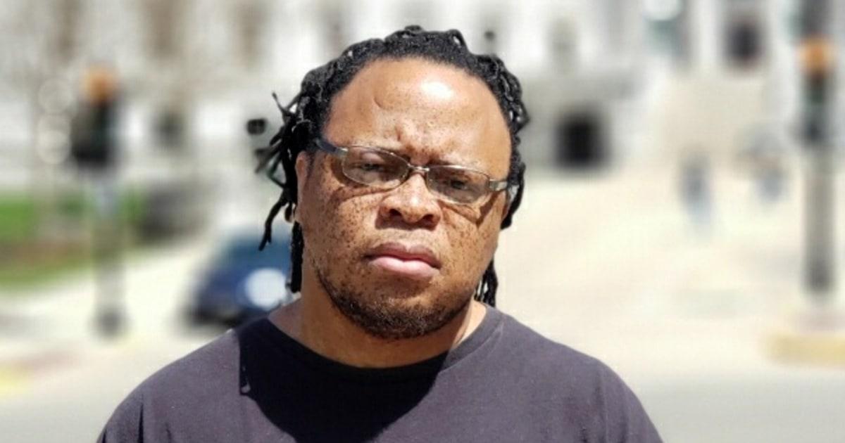 Schwarz Schule officer gefeuert wurde, wiederholte rassistische Beleidigung verwendet, die von schwarzen Studenten