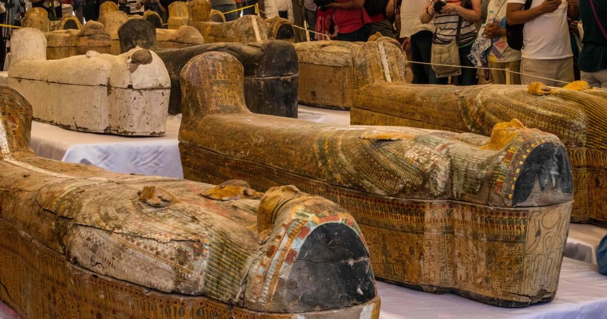 エジプトがミイラに新たに発見された古代の棺