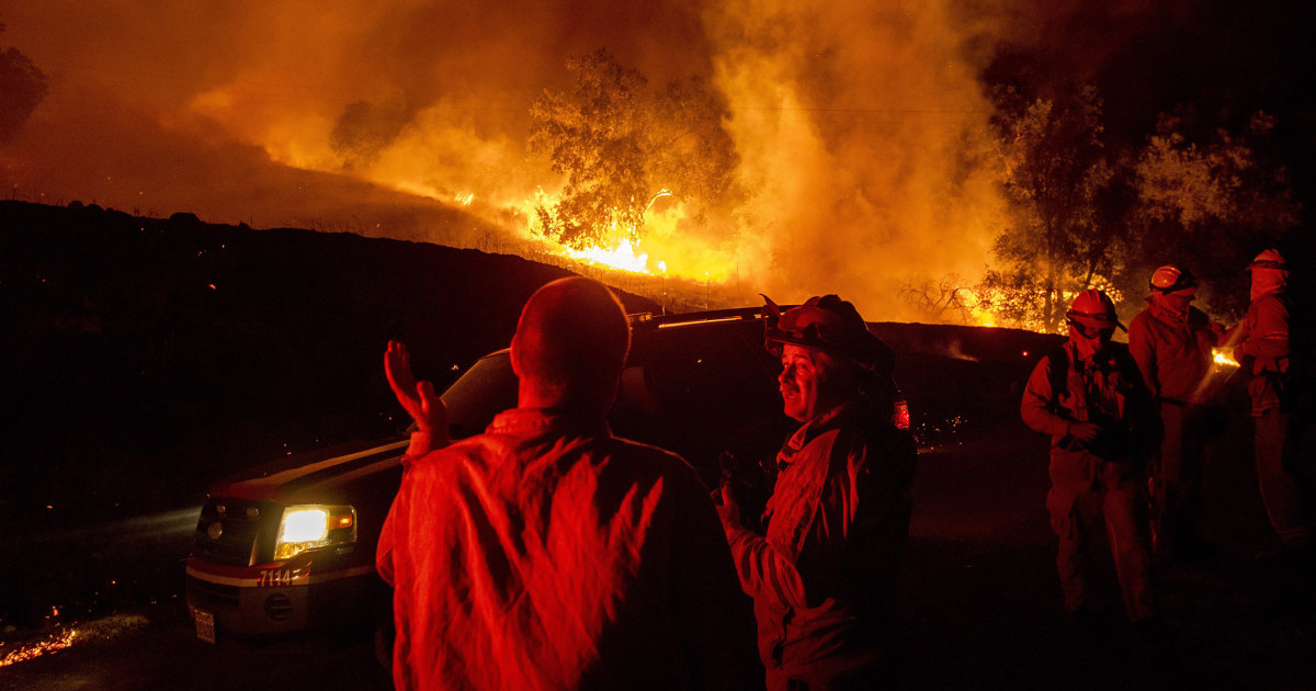 Wildfire breaks out in Northern California wine country, spreads to thousands of acres