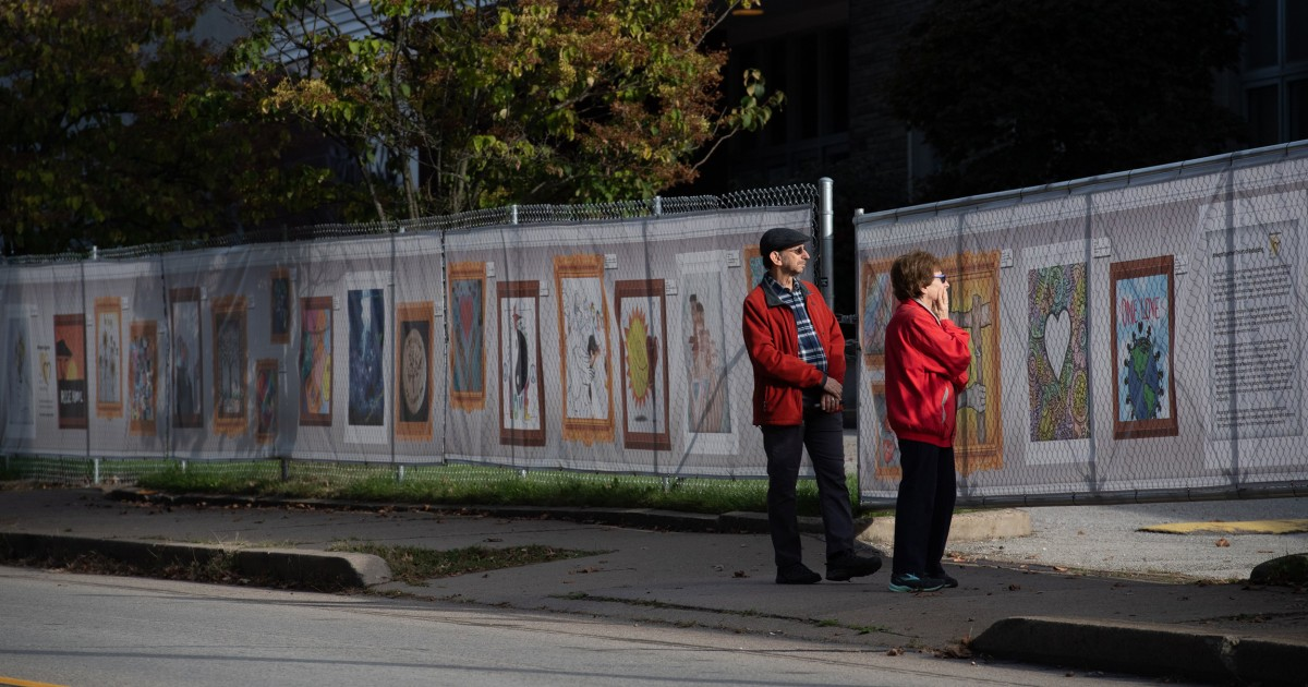 Ein Jahr nach der Synagoge Schießen, Squirrel Hill findet Trost in der Einheit