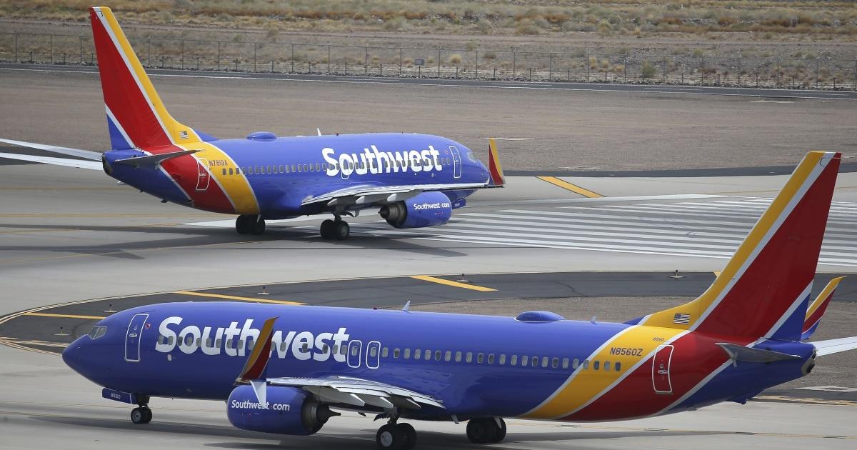 2 Südwest-Piloten vorgeworfen livestreaming von Innenseite Ebene Badezimmer