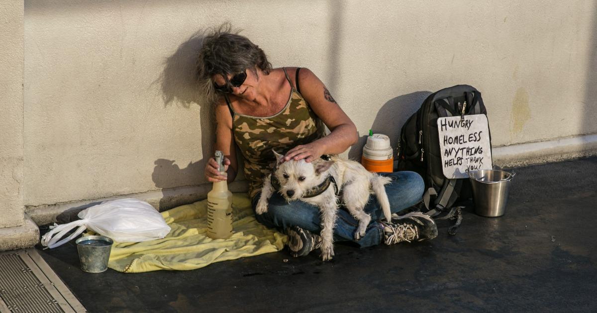 Helfen Sie die Obdachlose kriminalisieren oder Ihnen? Las Vegas Debatten einen öffentlichen schlafen ban