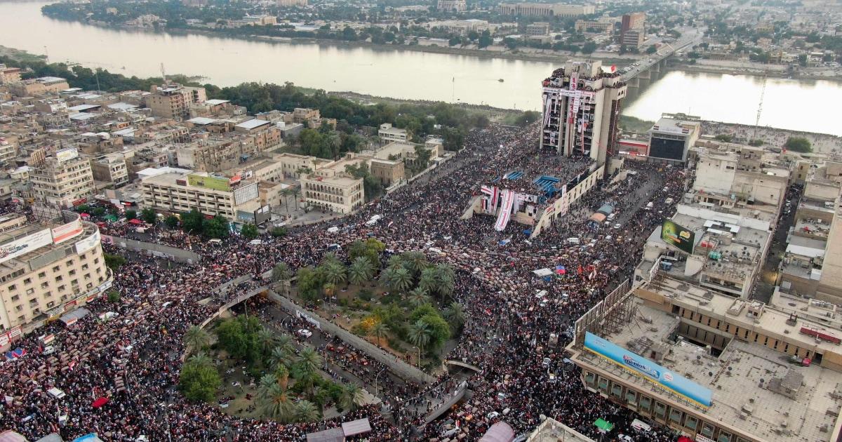 イラクのブロックキーの道路として暴力的な反政府抗議行動の継続