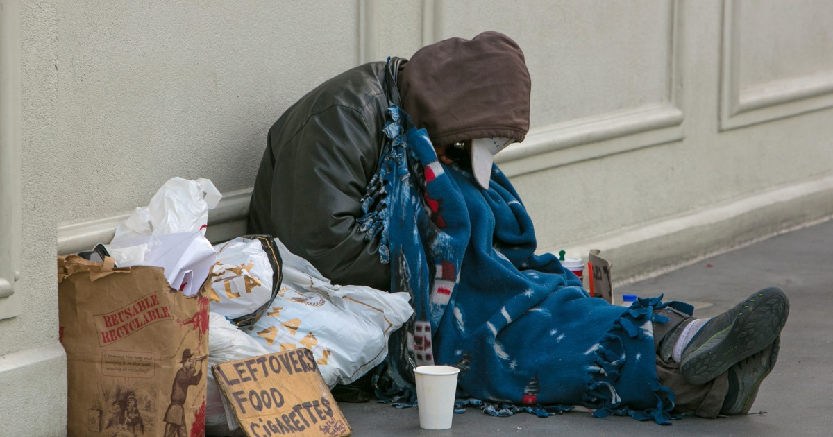 Λας Βέγκας υιοθετεί την απαγόρευση ύπνου, κάμπινγκ, σε δρόμους, πεζοδρόμια