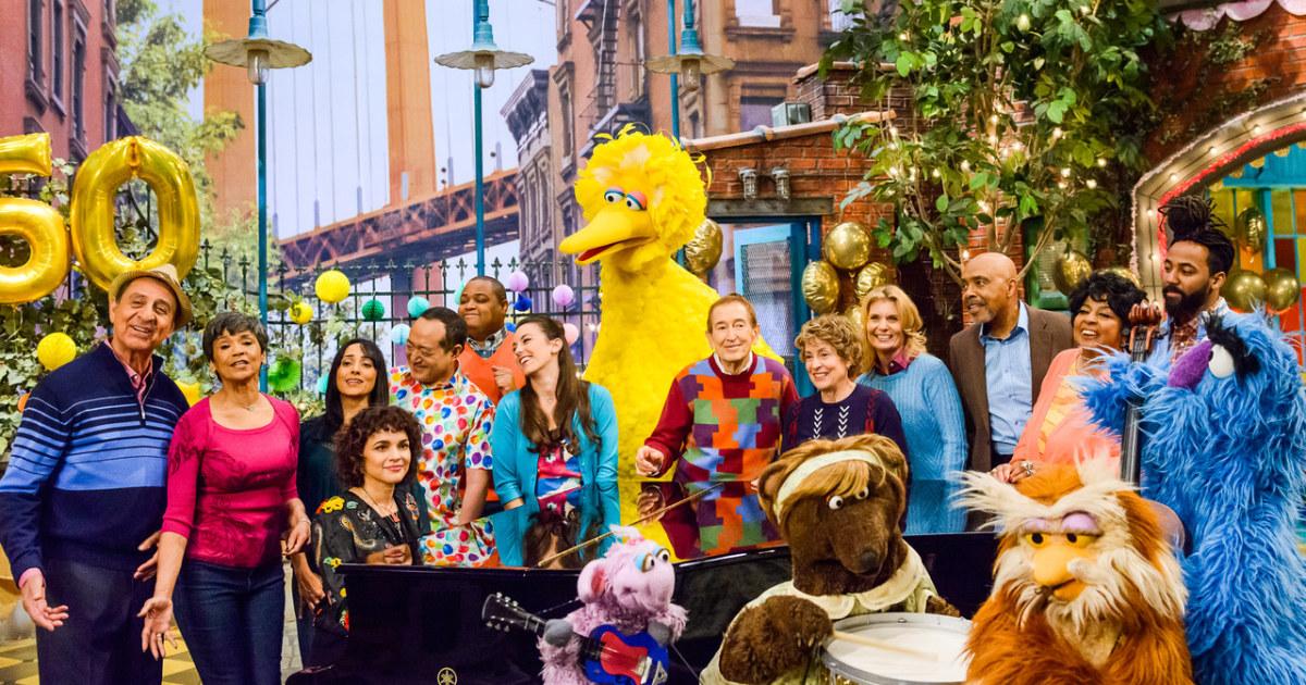 Sesame Street sebesar 50: Merayakan warisan relatable Latino karakter
