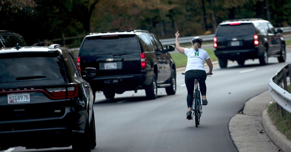 Πάρε αυτό, Κύριε Πρόεδρε: η Γυναίκα που έδωσε το δάχτυλο για να το Ατού του αυτοκινήτου κερδίζει τις εκλογές