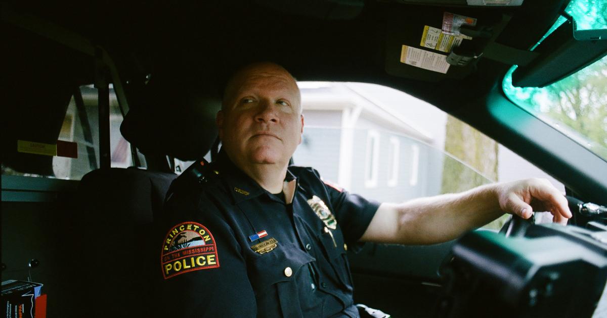 Keine kugelsichere Westen und schlechte Bezahlung: Ländliche Polizei-Kampf zu rekrutieren Sie neue Offiziere