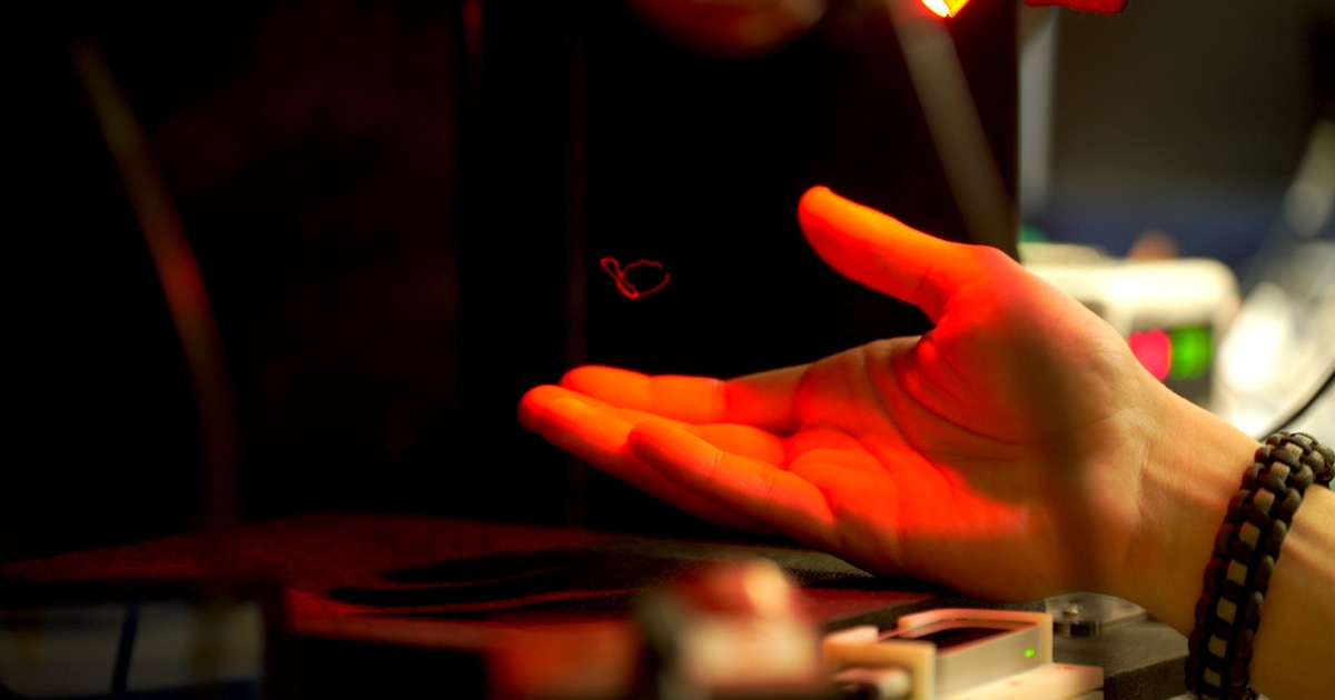 With a single bead of plastic, scientists tease interactive 3D