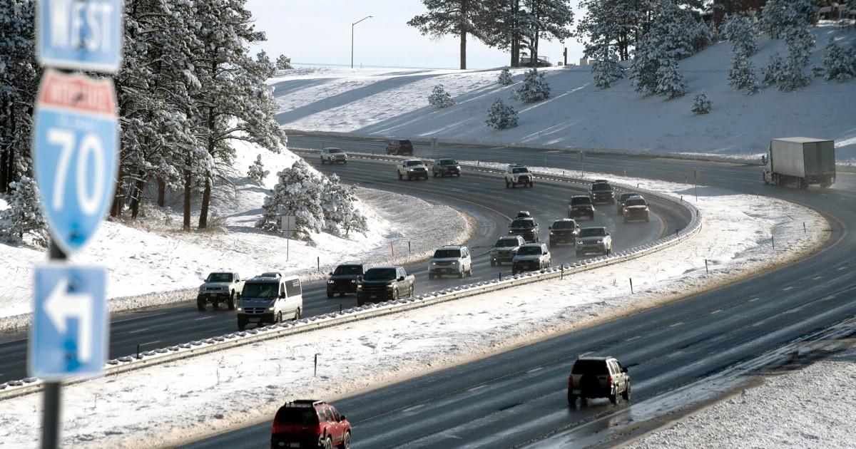 感謝の日に冬に嵐が旅行の悲哀を渡米国