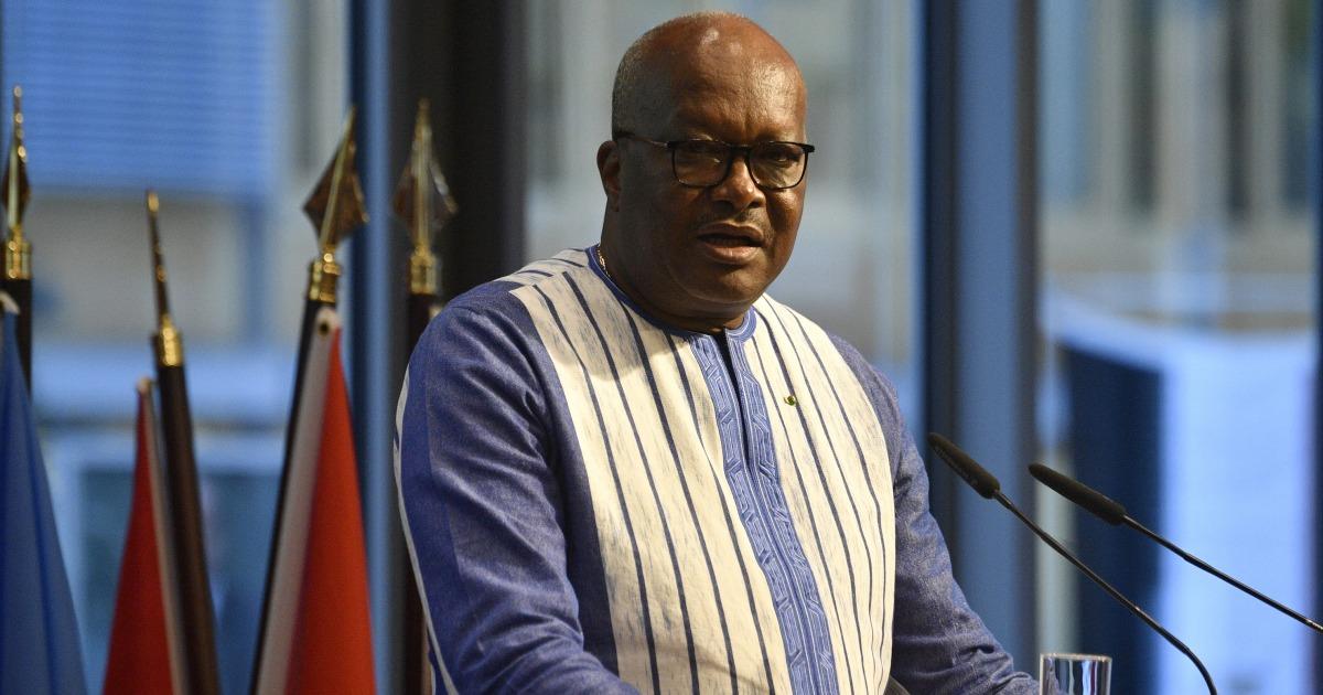 Μπουρκίνα Φάσο ηγέτης λέει 14 νεκροί σε επίθεση σε εκκλησία
