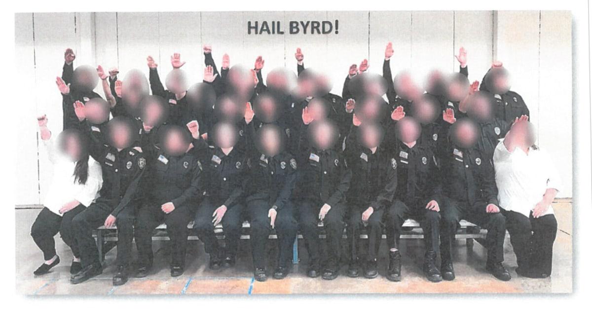ウェストバージニア州矯正学生たナチスの敬礼写真はすべて焼