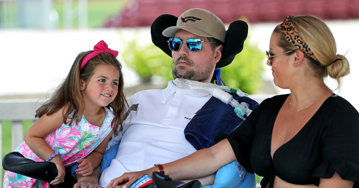 Pete Frates, inspiration for the ALS Ice Bucket Challenge, dies at 34 thumbnail