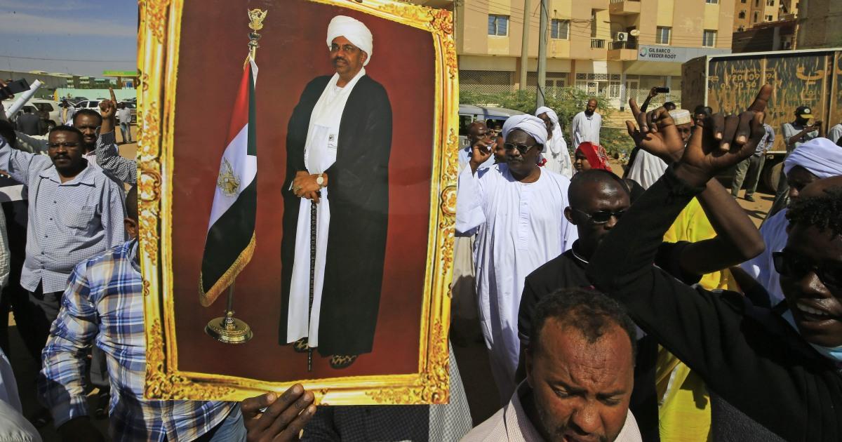 Ex-スーダンstrongman al-統が2年間の汚職
