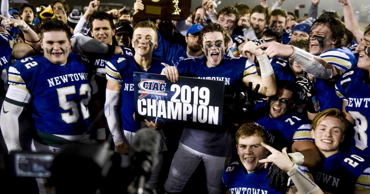 Newtown-Fußball-team gewinnt die Staatsmeisterschaft auf Sandy Hook shooting-jähriges Jubiläum