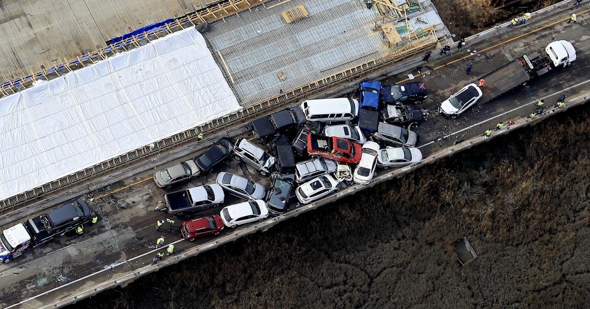 少なくとも51傷63車道pileupバージニア州