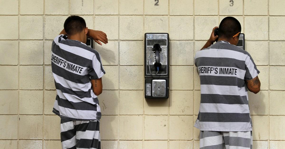 Viele Familien der Gefangenen, die kämpfen, um in Kontakt zu bleiben, durch teure Anrufe