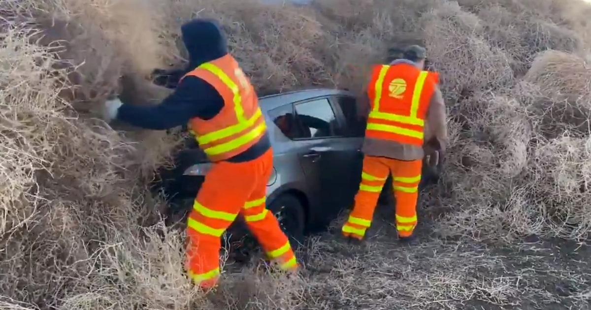 30-πόδι tumbleweed καραμπόλα παγίδες αυτοκίνητα, ημι-φορτηγό στην εθνική οδό Ουάσιγκτον