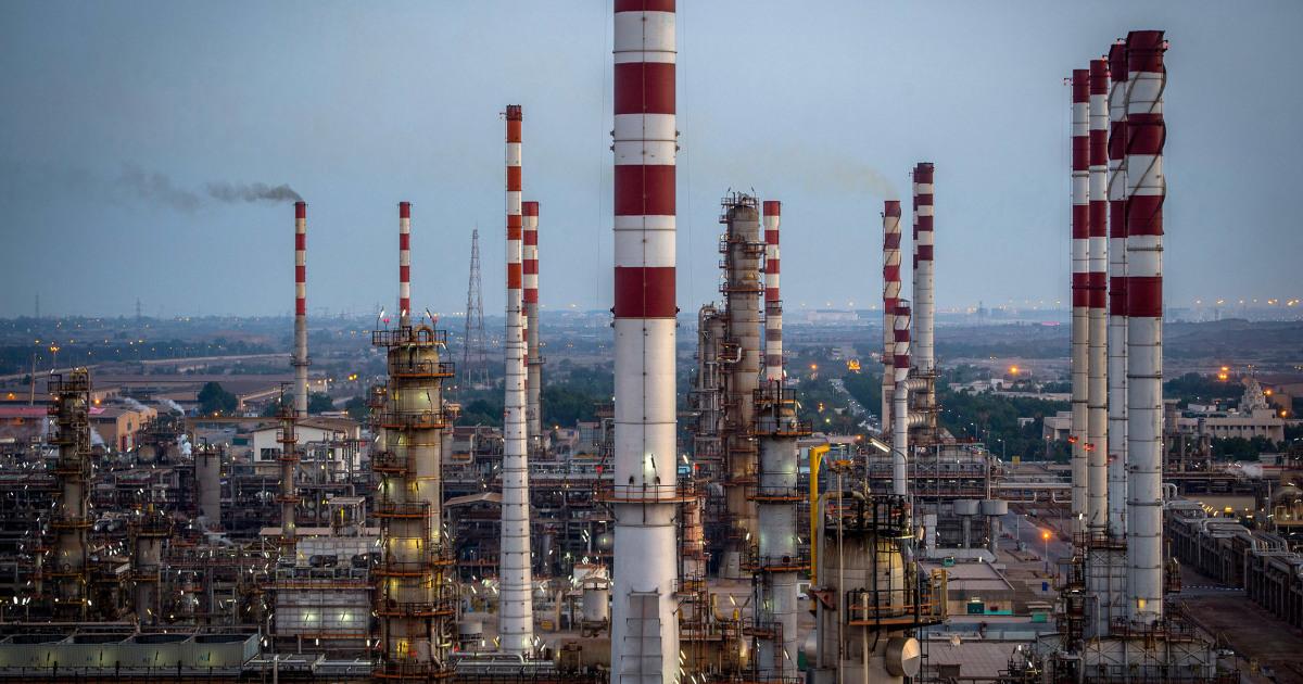 石油価格の騰する恐れのイランに対する報復米国