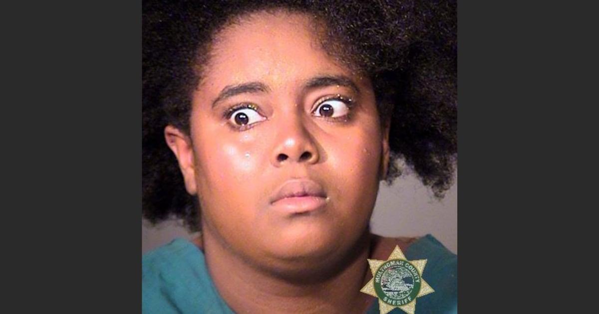 Wanita diduga meraih hijab dari siswa di Portland, Oregon