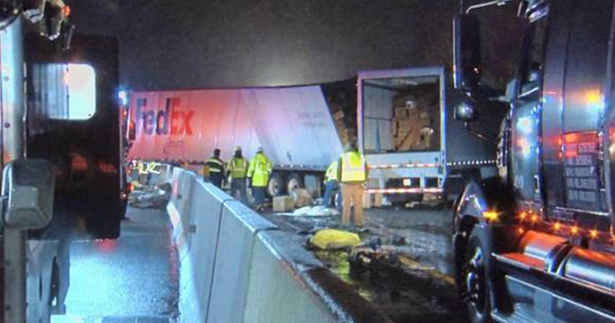 少なくとも5殺され、数十人が負傷した衝突を伴うバス、トラックペンシルベニア州