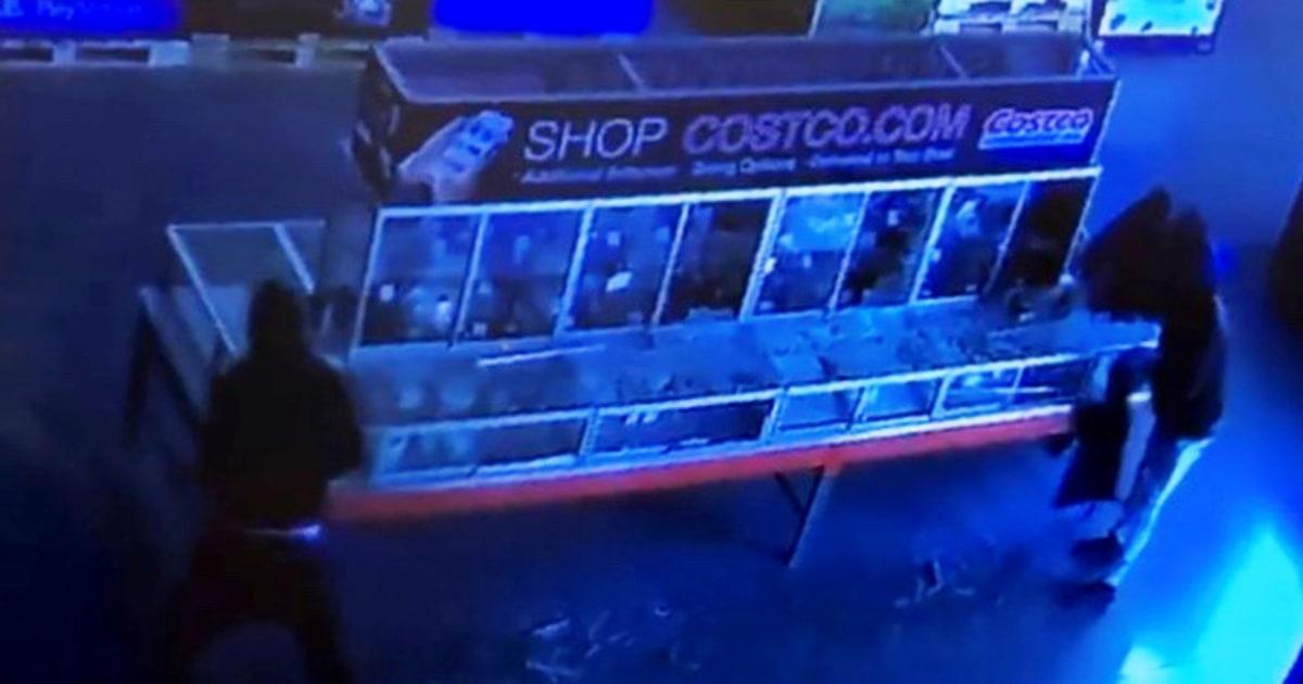Fast $20.000 von 'hoher Wert' Schmuck gestohlen von Costco in Illinois