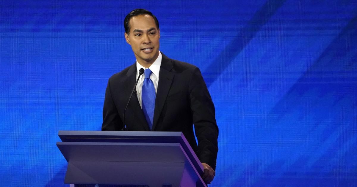Julian Castro mendukung Elizabeth Warren untuk presiden