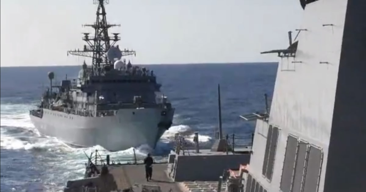 Russische Kriegsschiff 'aggressiv näherte sich US-Zerstörer im arabischen Meer, die Marine sagt