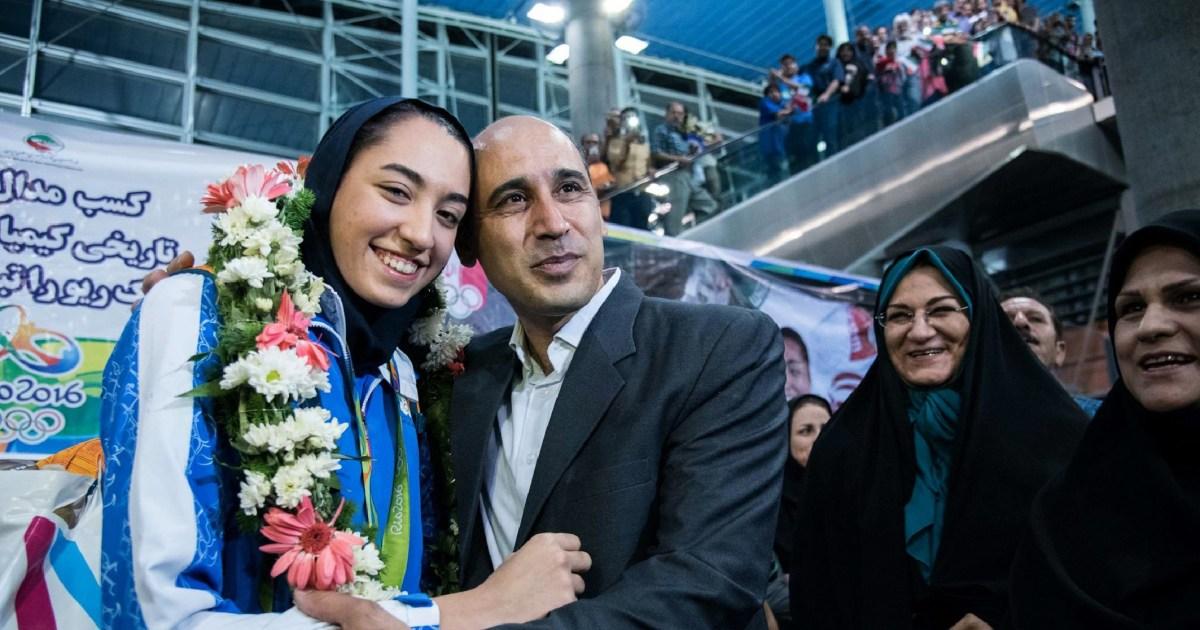 イランの女性オリンピックメダリストが表示される欠陥、批体制