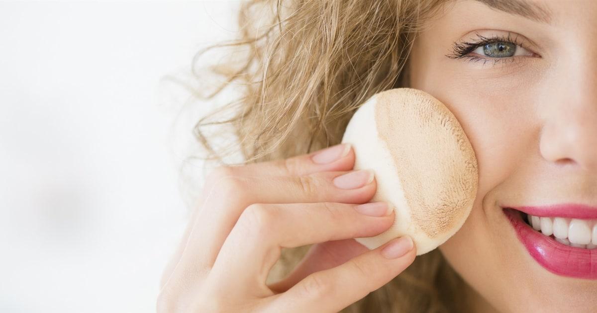 Εδώ είναι τα καλύτερα θεμέλια για το λιπαρό δέρμα, σύμφωνα με τους δερματολόγους