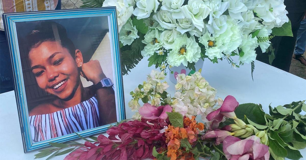 Puerto Rico keluarga menyalahkan remaja kematian pada kurangnya fasilitas rumah sakit sejak badai