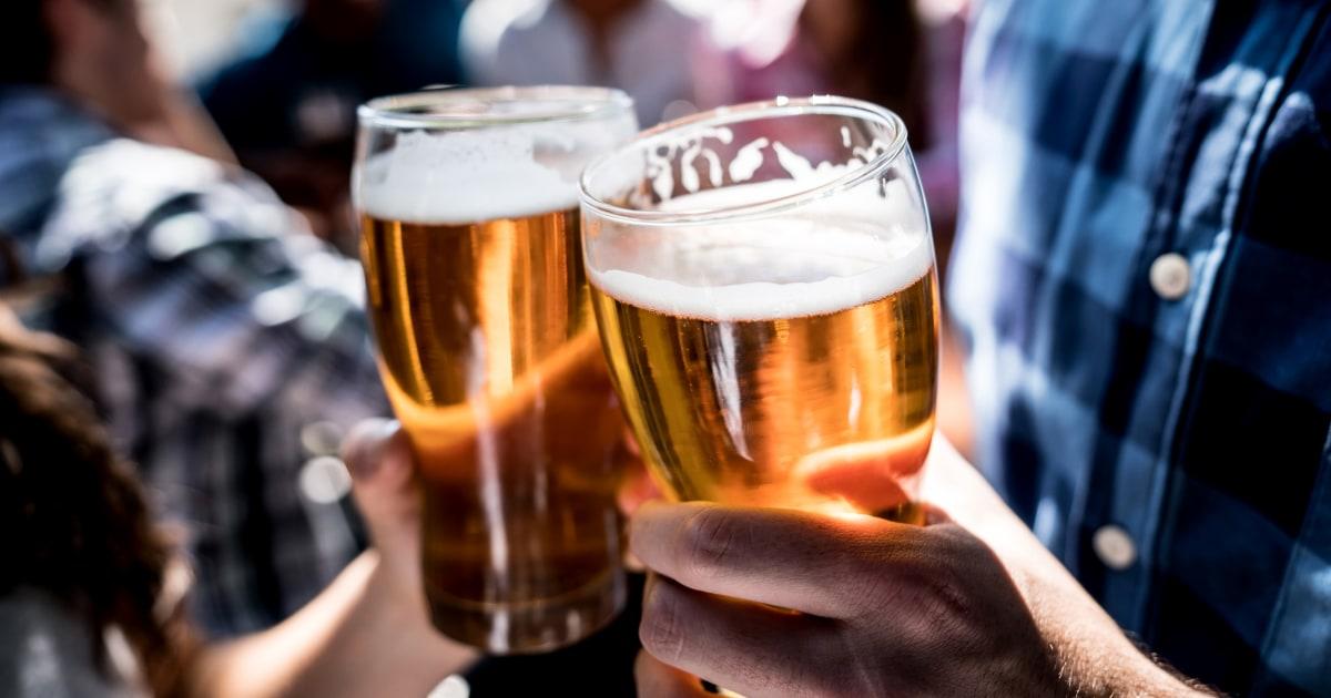 Die Amerikaner sind Alkoholexzesse mehr, die stark zunehmenden gesundheitlichen Risiken