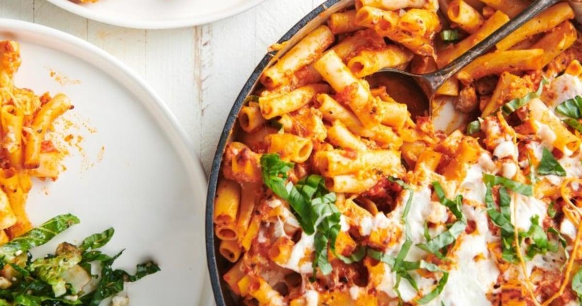 Ein Huhn Parmesan gebacken ziti Abendessen die ganze Familie lieben wird