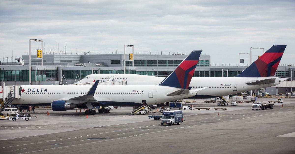 Delta didenda $50K untuk 'diskriminatif' penghapusan 3 penumpang Muslim