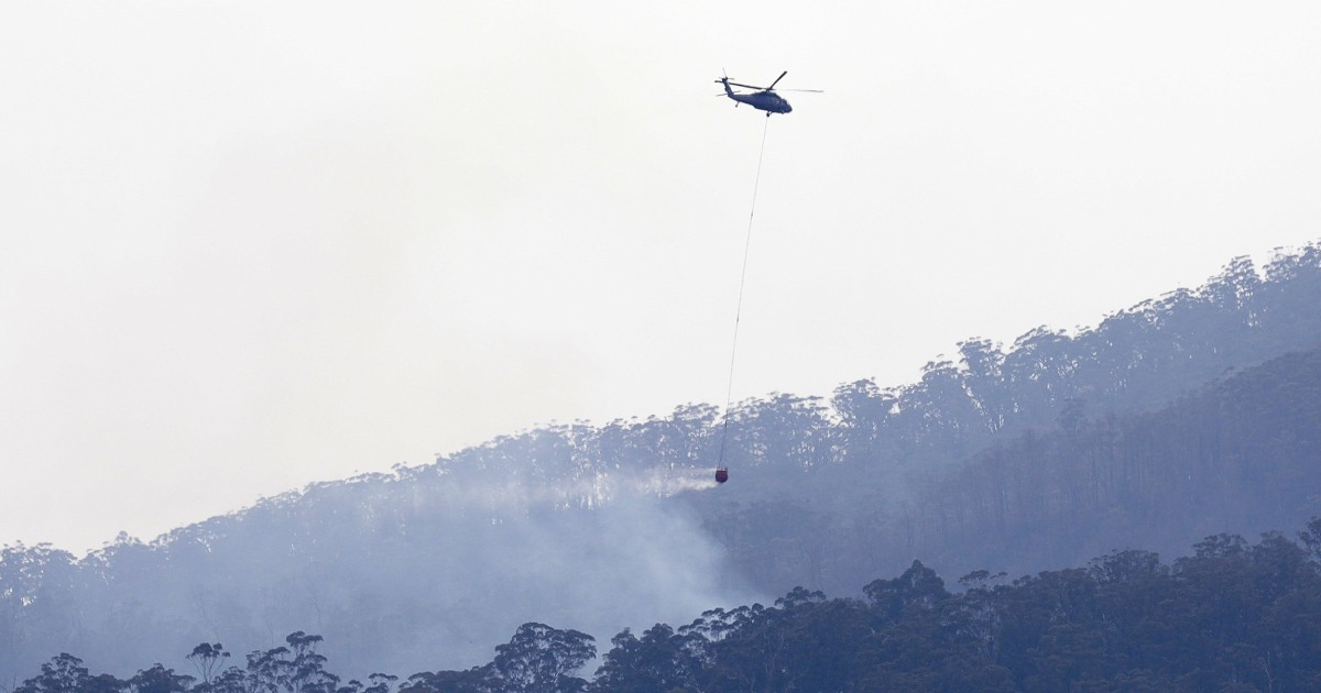 200122 australis wildfire water drop ac 1158p cfb3e0feab3e9edec6884e2bc46675fb.nbcnews fp 1200 630 - 3 from U.S. killed in plane crash while fighting Australia's wildfires