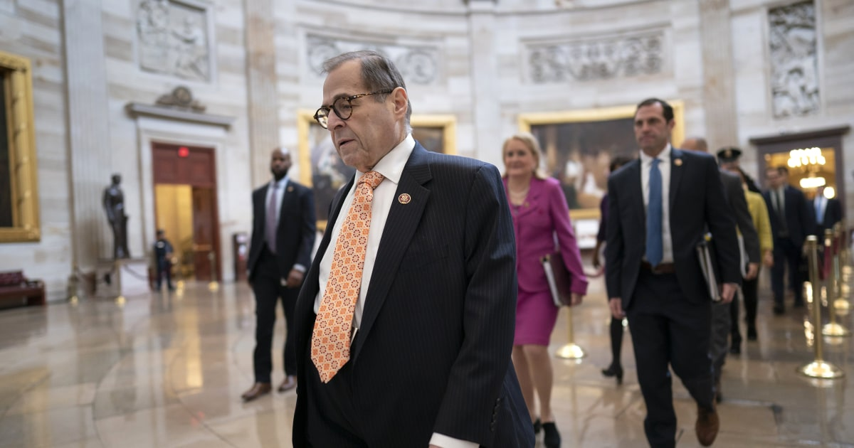 Demokraten schließen Anklage Argumente mit Appell an Senat:
