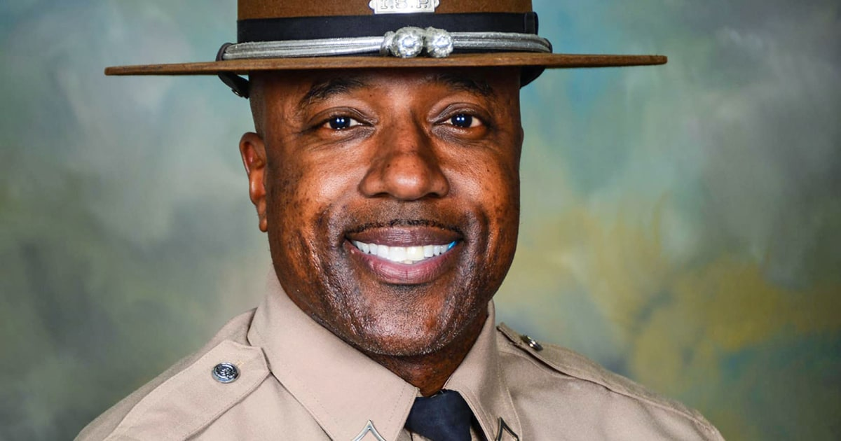 Ex-Illinois state trooper tewas, dua lainnya terluka dalam penembakan di lounge cerutu