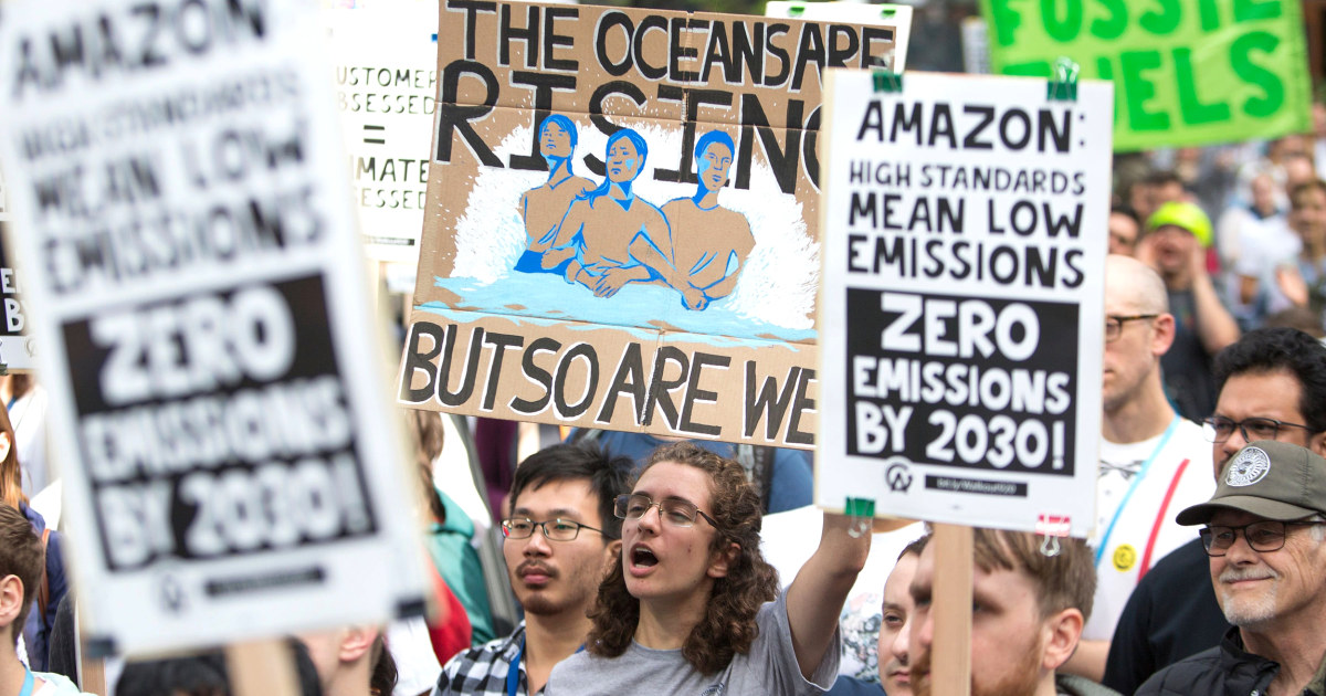 Hunderte Mitarbeiter von Amazon in die öffentlichkeit gehen über Unternehmens-Kommunikation und Klimapolitik
