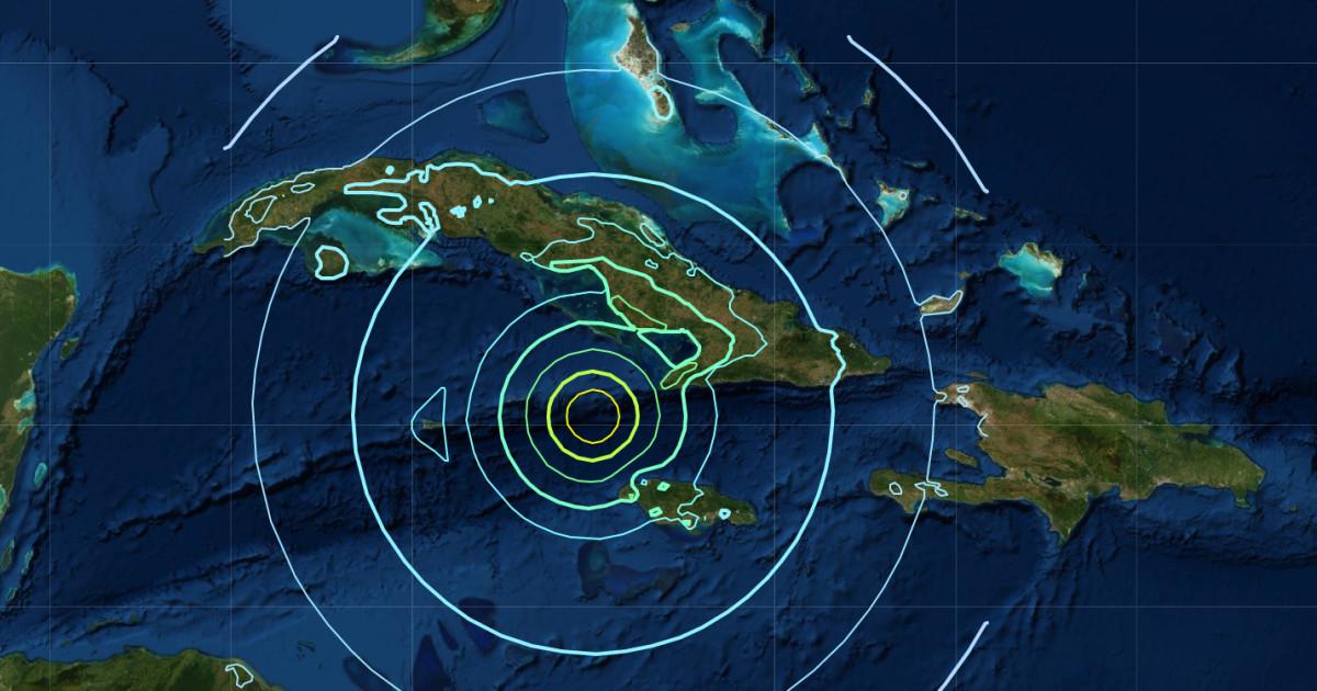 強力な7.7震災にカリビアンへの避難マイアミ、津波の脅威