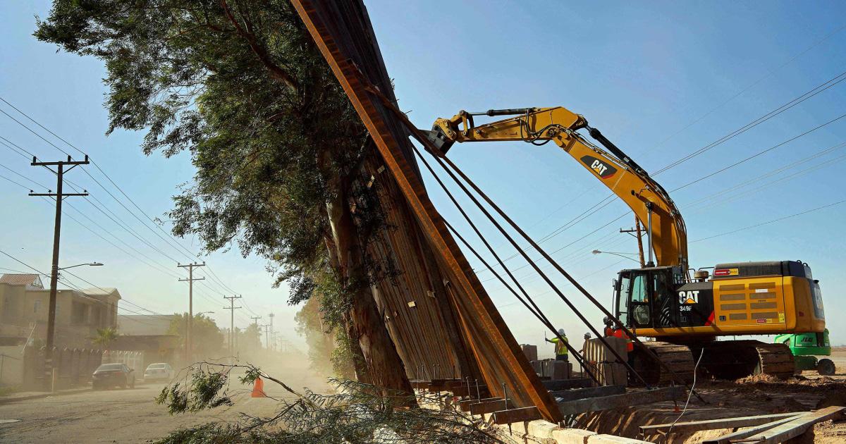 Supreme Court allows border wall construction to continue thumbnail