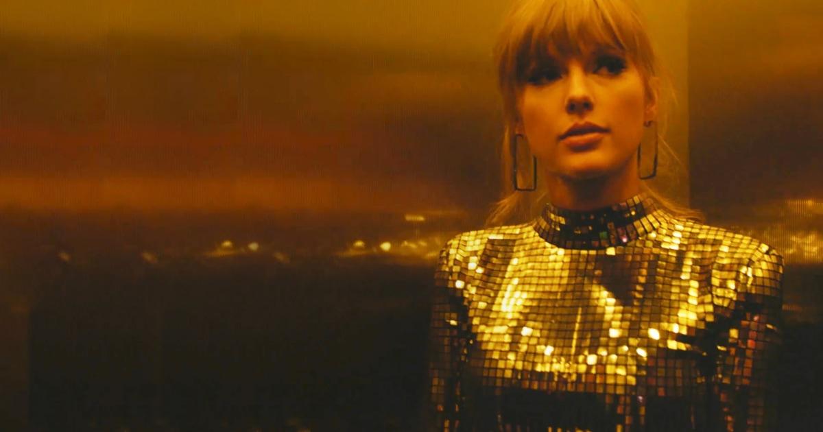 Taylor Swift θέλει η Αμερική να ξέρει ότι ξύπνησε τώρα. Και είναι — ένα σημείο.