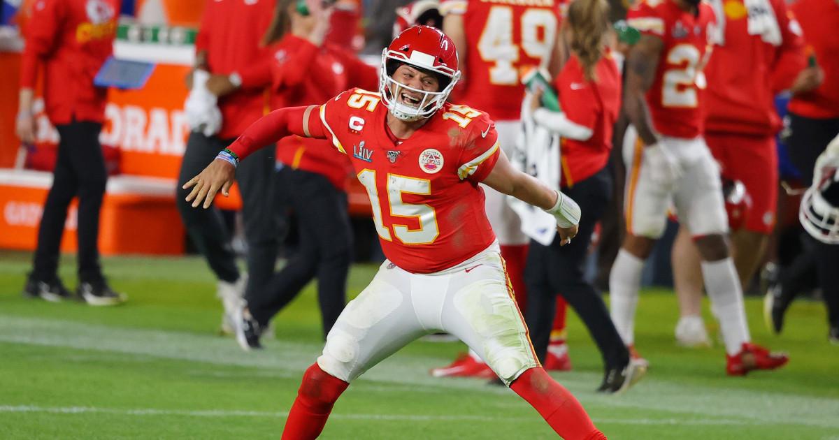 Mahomes Feuer fängt spät, führt Häuptlinge 31-20 Super Bowl gewinnen