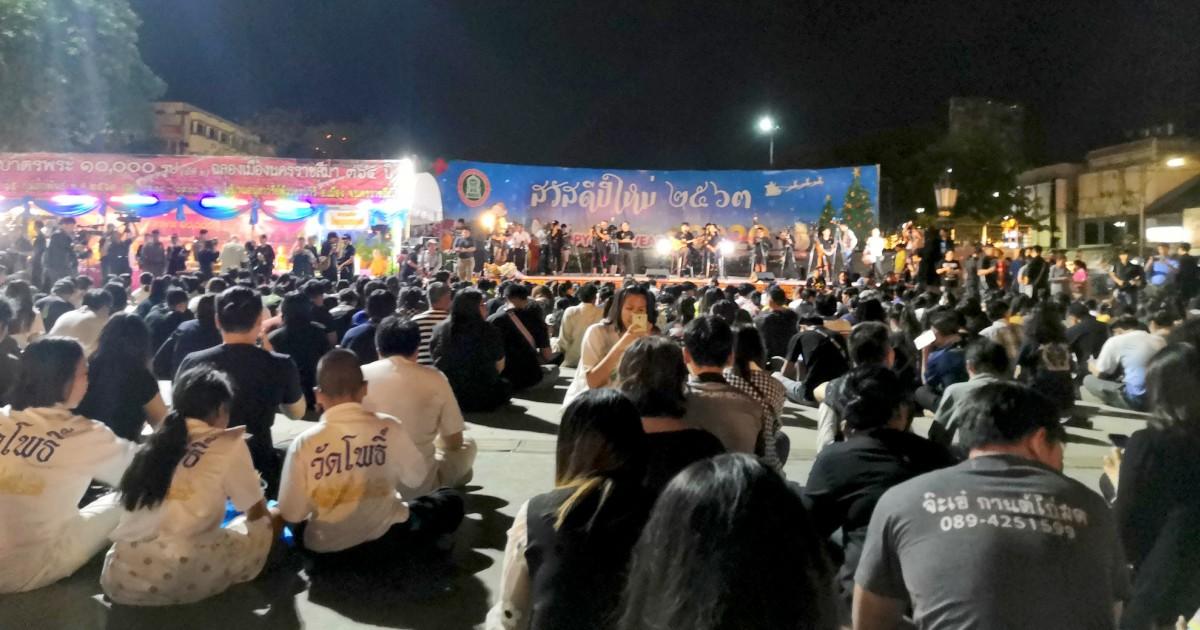 Thailand-überlebender erinnert daran, Versteck für sechs Stunden während der Dreharbeiten rampage