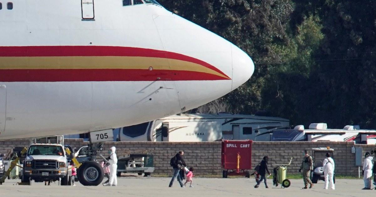Wie einige bereiten zu lassen Quarantäne, Arbeiter auf der Air Force base drangsaliert
